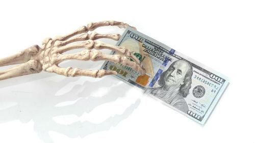 к чему снится давать деньги покойнику