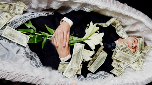 давать деньги покойнику во сне