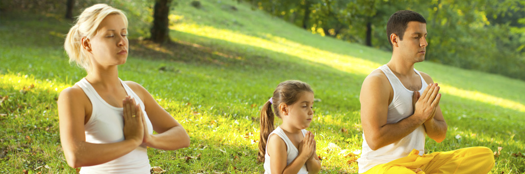 Медитируют семьей