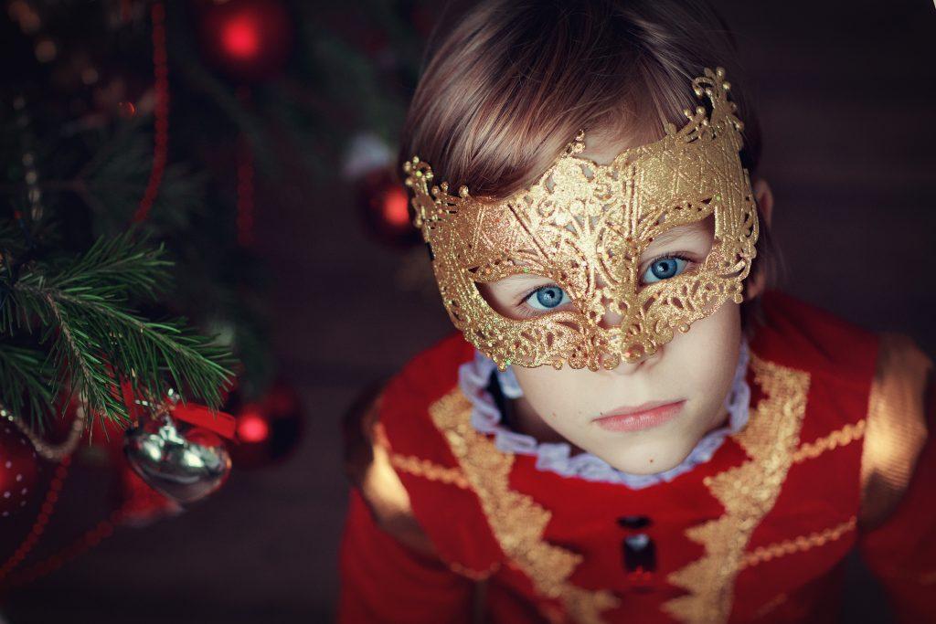В новогоднюю ночь будут актуальны костюмы с добавлением каштанов или желудей