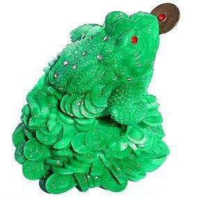 Лягушка из полудрагоценного камня - жадеита