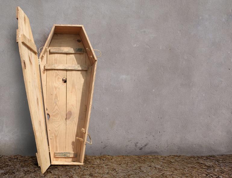 Пустой гроб во сне