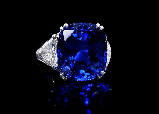 Какой камень подойдет женщине-Деве