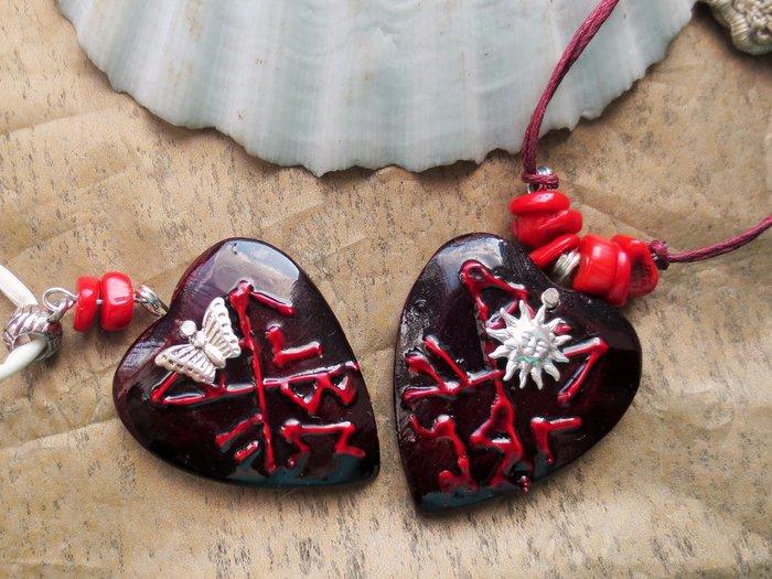 Амулеты любви в виде сердечек