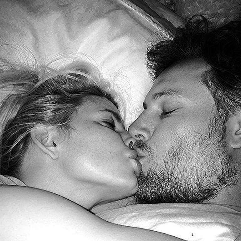 К чему снится поцелуй в губы с мужчиной