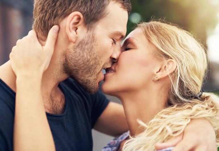 Страстный поцелуй во сне
