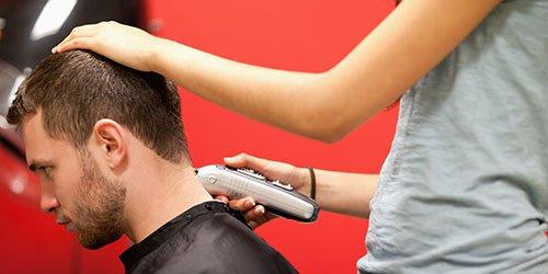 к чему снится стричь волосы мужчине